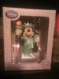 Disney Store Scares Up An by The Blog Exist U2020trace Usa Tour 2012 Everything Maria Edition