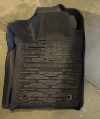 Quadratec Floor Mats Vs Weathertech by Review Of Maxliner Floormats Vs Oem Jeep Garage Jeep Forum