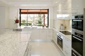 meuble de cuisine noir laqué meuble cuisine noir laqu cuisine et bois moderne lgante