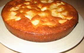 dessert au yaourt nature recette gateau au yaourt et aux pommes 750g