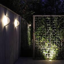 curv low voltage garden light 12v outdoor wall light