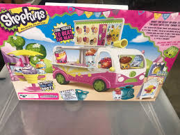 Shopkins Season 3 Food Fair Scoops Ice Cream Truck NEW IN BOX ... Licks Ice Cream Truck Takes Up Post In Brentwood Eater Austin Chomp Whats Da Scoop Shopkins Scoops Playset Flair Leisure Products 56035 New Exclusive Cooler Bags Food Fair Season 3 Very Hard To Jual Mainan Original Asli Helados In Box Glitter Moose Toys And Accsories Play Doh Surprise