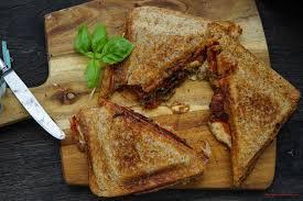 sandwichmaker rezept mozzarella tomate pesto und viel liebe