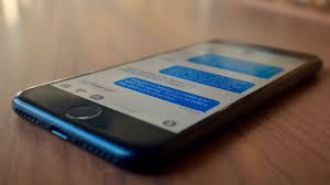 I want a Galaxy S8 but it doesn t have iPhone s iMessage CNET