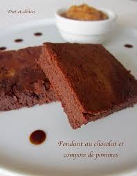 dessert a base de compote de pommes fondant au chocolat et compote de pommes diet délices