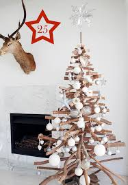 Making Christmas Tree Preservative by 50 Ways To Upcycle Tree Branches And Logs Living Vintage