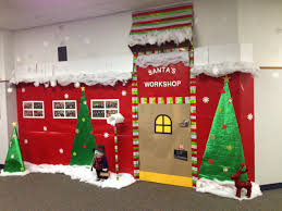 Kindergarten Christmas Door Decorating Ideas by Santas Workshop Christmas Door Decorations Taelynn Pinterest