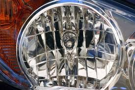 how to change a headlight bulb on a chrysler crossfire it still