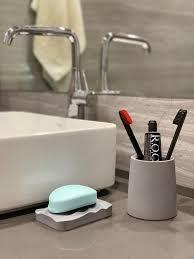 beton badezimmer zubehör set industrial style moderne minimalistische teller halter saver