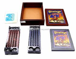 Stratego Famous Board Game Keesing Games English Vintage Chess Set Puzzle Party Children