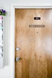 bureau des ressources humaines porte de bureau de ressources humaines photo stock image du papier