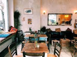 auf ein mediterranes frühstück ins café soleil in