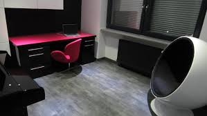 bureau fushia afdesign bureau design en verre noir et fuschia afdesign le