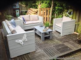 Patio Furniture Made from Wooden Pallets