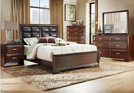 Rooms To Go Queen Bedroom Sets by Shop For A Druid Hills 5 Pc Queen Bedroom At Rooms To Go Find