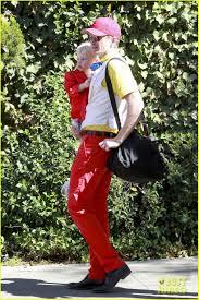 Neil Patrick Harris Halloween by Neil Patrick Harris U0026 Family U0027alice In Wonderland U0027 For Halloween