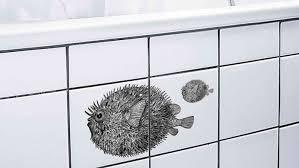 fliesenaufkleber so macht ihr in bad und küche alte kacheln