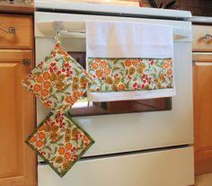 Wine Themed Kitchen Set by Kitchen Towel And Potholder Set Wine Themed Kitchen Set