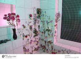blumenbad badezusatz ein lizenzfreies stock foto photocase