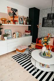 interior diy wohnzimmer makeover in rostorange rosa