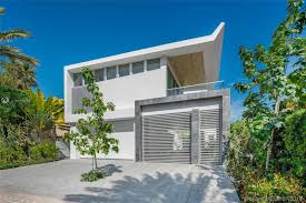 100 Modern Miami Homes Altos Del Mar Oceanfront For Sale And Rent In Beach