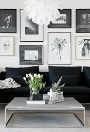 schön wohnzimmer deko schwarz weiss schwarzes sofa