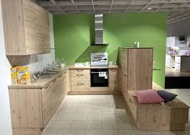 geräumige küche in u form