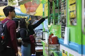 100 Halal Truck Hot Food On Wheels International Week Warms Up Pitt The Pitt News