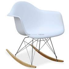 chaise a bascule eames célèbre création de charles eames la rar rocking chair est
