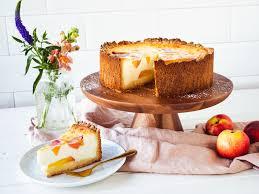 schmandkuchen mit nektarinen