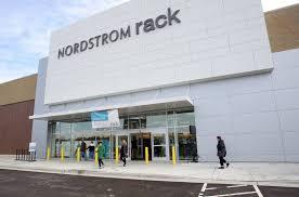 Kildeer Village Square opens with Nordstrom Rack DSW