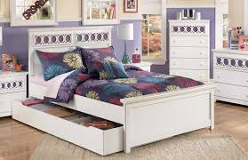 Retro Kids Bedroom Design with Ashley Furniture Zayley Kids