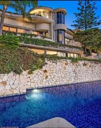 100 Rupert Murdoch Homes Will Lachlan S Old Mansion Topple Sale Record The Former