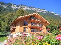 chalet 7 chambres luxueux chalet de charme et vue 3 kilomètres d interlaken 7 chambres