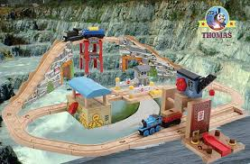 Thomas The Train Tidmouth Shed Layout by Thomas The Tank Engine Track Layouts Designs Kids Pinterest