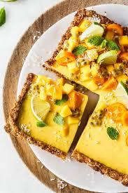 mango joghurt tarte mit kokosboden
