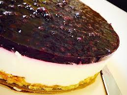 blaubeer frischkäse torte mit crunchyboden