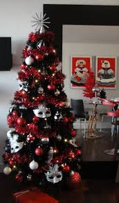 Black And Red Christmas Tree Decorations With Photos
