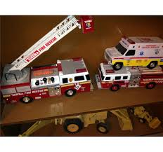 100 Tonka Fire Rescue Truck Plastic Ambulance 3pcs