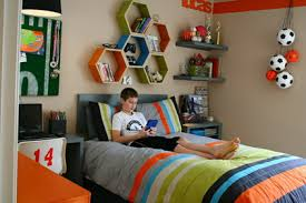 Cool Wall Decoration And Beds Furniture In Modern Boys Bedroom Paint