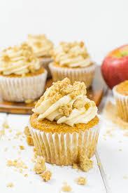apple crumble cupcakes mit apfel füllung und knusperstreusel vegan