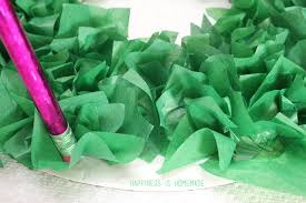 Making A Tissue Paper Wreath