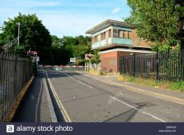 Vine Road Level Crossings, Barnes, London, SW13 Stock Photo ... Strada Restaurant In Barnes Sw13 Ldon United Kingdom Stock The Crescent Property For Sale Chestertons Mill Hill To Rent Riverside Photo Royalty Savills Burges Grove 8bg Riverview Gardens Welcome Richmond Upon Thames Sign Uk Elm Bank Commercial Rent 102 Church Road