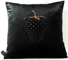 casa padrino luxus deko kissen strawberry mit bling bling glitzersteinen schwarz gold 45 x 45 cm feinster samtstoff luxus deko accessoires
