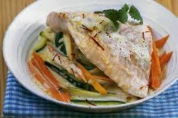 cuisiner la raie au four filet de raie aux légumes cuits au four
