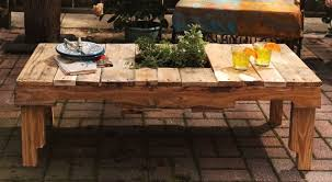 DIY Rustic Pallet Table With A Herb Garden Via Homestoryrp Online