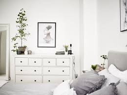 Ideas For Decorating A Bedroom Dresser by Best 25 Bedroom Drawers Ideas On Pinterest Drawers Bedroom