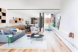intérieur et canapé contemporain avec canape gris