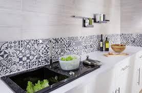 carrelage cuisine design credence en zinc avec zinc sur idees de decoration interieure