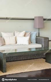 kissen auf sofa dekoration im wohnzimmer stockfotografie